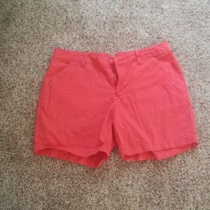 Columbia womens size 10 shorts.
